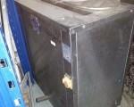 Maszyna do czyszczenia perforowanych blach piekarniczych