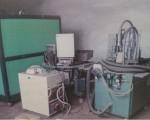 Zespół urządzeń do napełniania i montażu zapalniczek OK