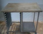 Stół z drewnianym blatem ze stali nierdzewnej