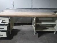 Metalowy stół z drewnianym blatem #2