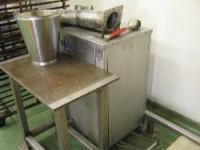 Maszyna do czyszczenia perforowanych blach piekarniczych #2